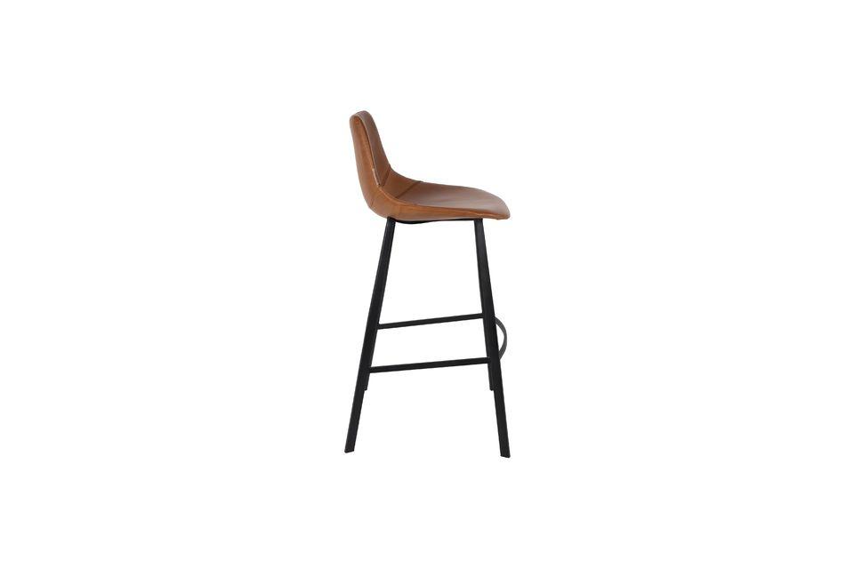 Disfruta de este modelo muy cómodo equipado con un asiento con líneas redondeadas y costuras