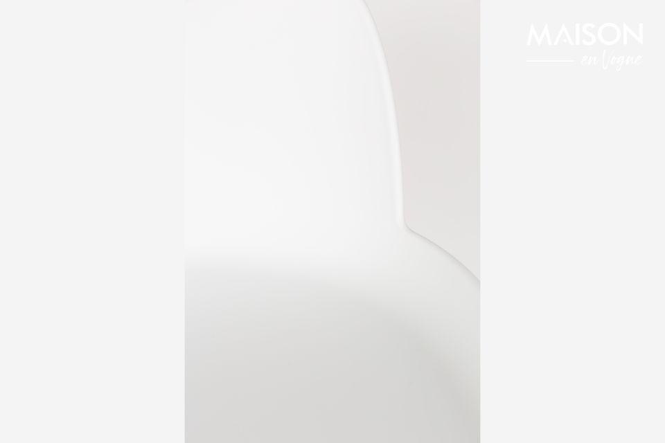 un taburete de bar dos materiales para un look escandinavo
