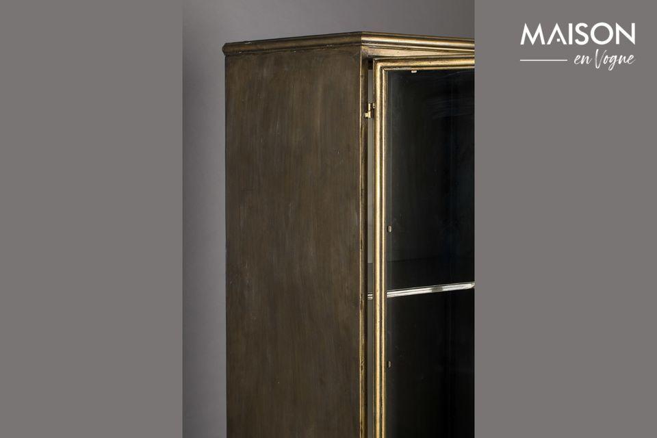 El marco es de metal lacado en oro para añadir un agradable toque antiguo y elegante